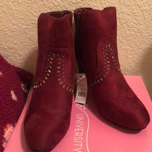 love university Shoes - Ankle boots